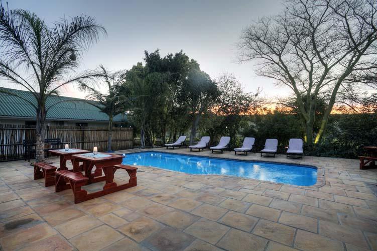 Pool_area_sunset