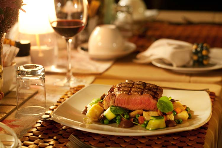 Dining_Steak