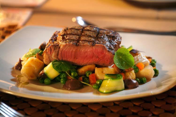 Dining_Maincourse_Rump_steak1